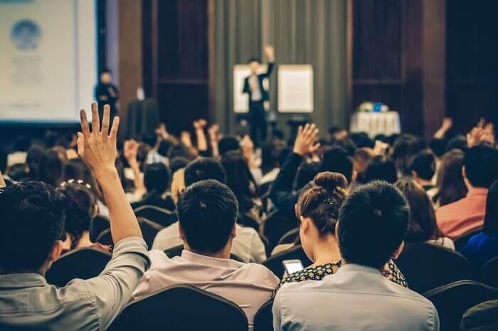 oratória - 8 pequenos truques para falar em público sem medo